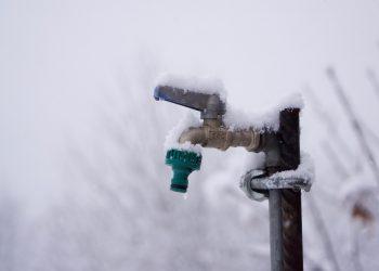 Wasserleitung vor Frost schützen | Wasserhahn Frostschutz